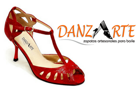 cat_photo_danzarte_women Her Shoes Morena Dancewear is the one stop shop for all your dancing needs. Whether you dance Salsa, Tango, Ballroom, Latin, Ceroc or any other we have the right dance shoes and dancewear for you. Morena Dancewear is not another online business.